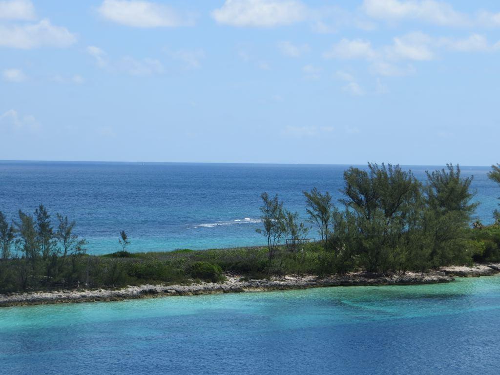 Bahamas (2013)