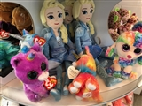 2-19-2020: So many Elsa dolls